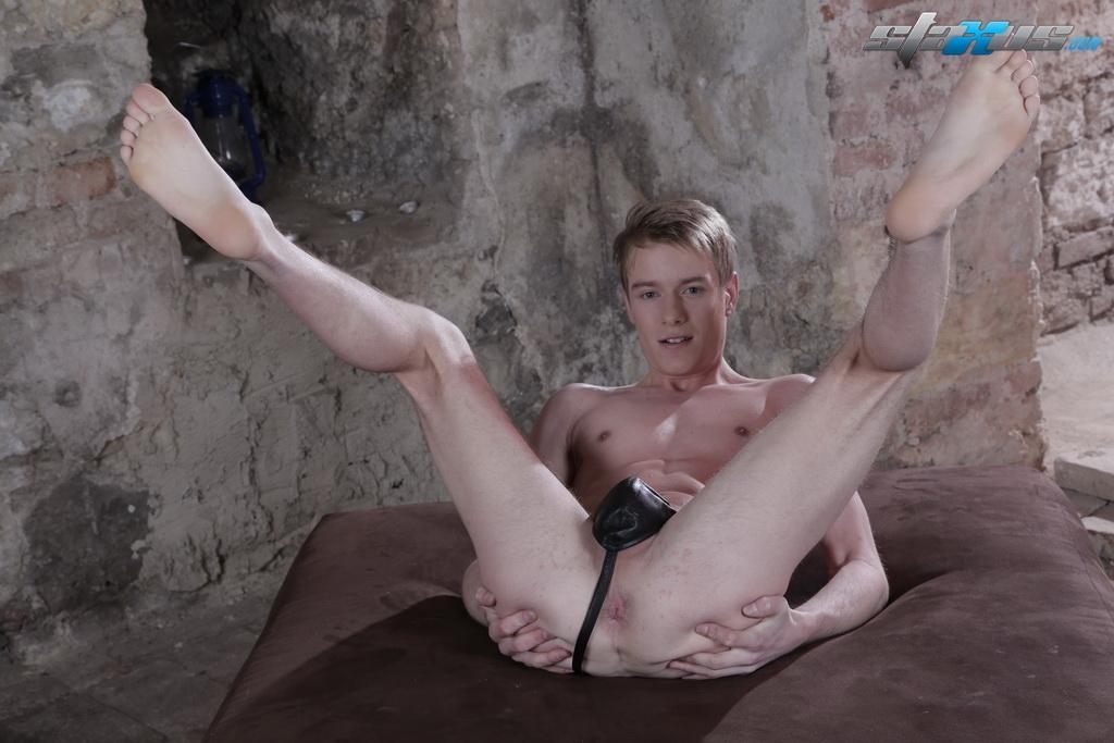 Cynthia nixon legs and tits